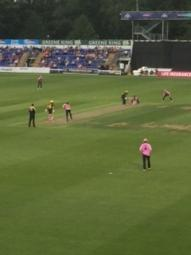 Middlesex win thanks to a Stupid Fakhar